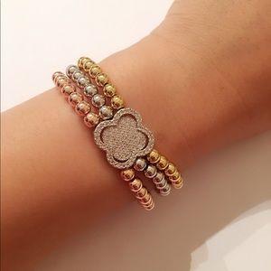 Jewelry - Brand New Gold Plated bracelet
